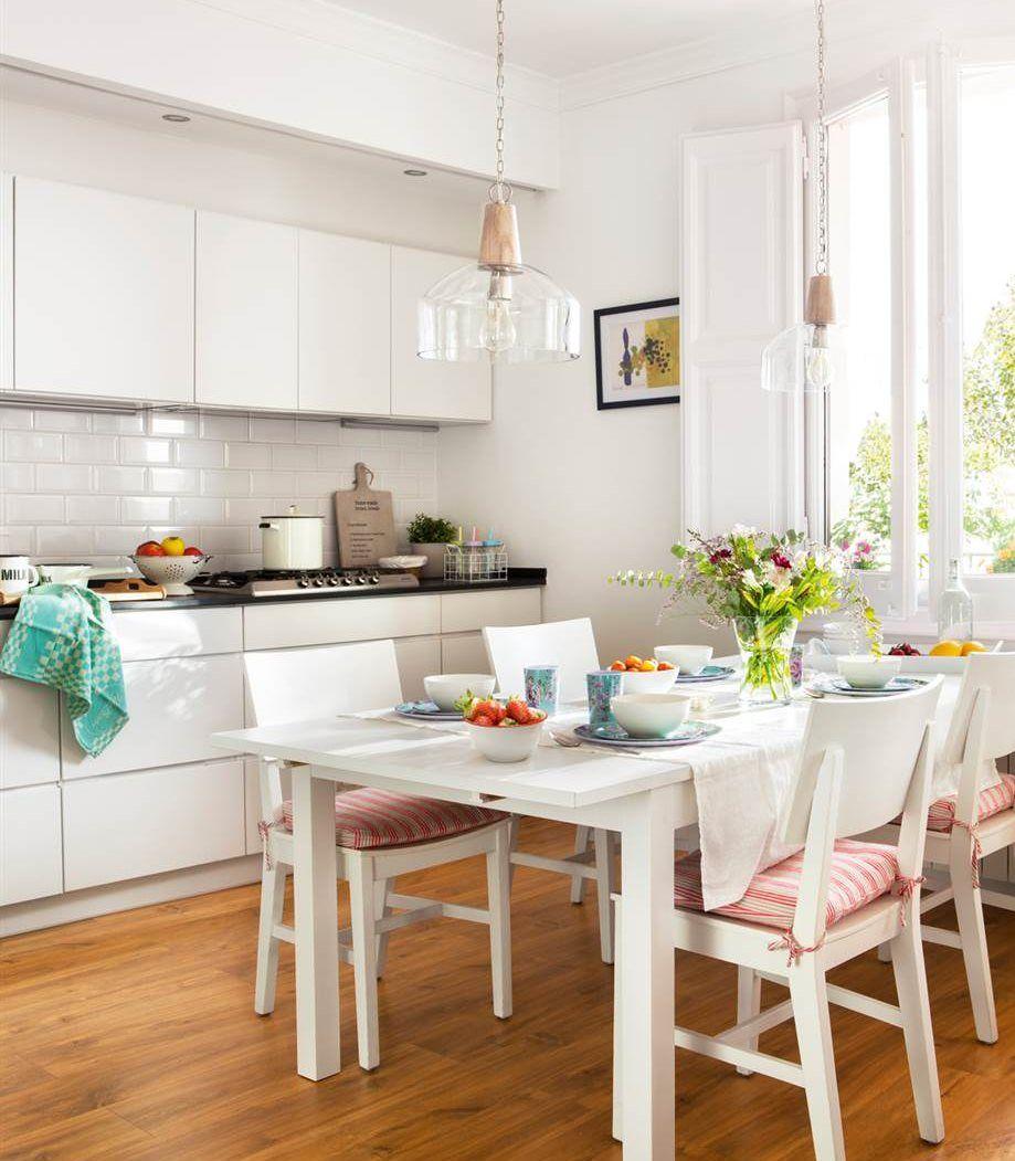 Mesas extensibles, bancos, muebles a medida, pufs, mesas nido, camas canapé y nido...