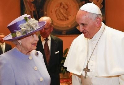 Queen and Pope Francis