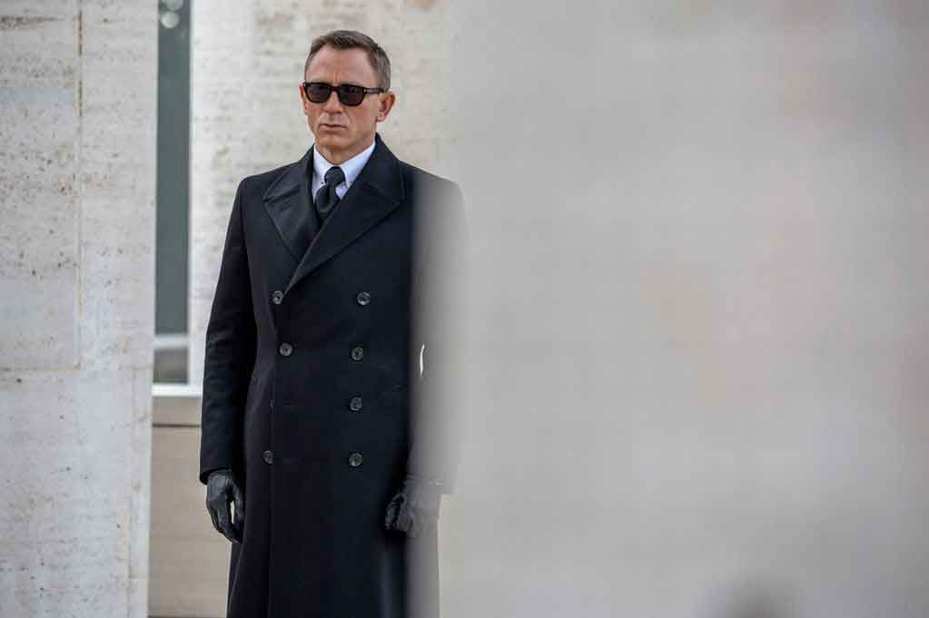 Spectre Clothing Guide Of James Bond Suits Other Accessories Bond Suits Daniel Craig James Bond