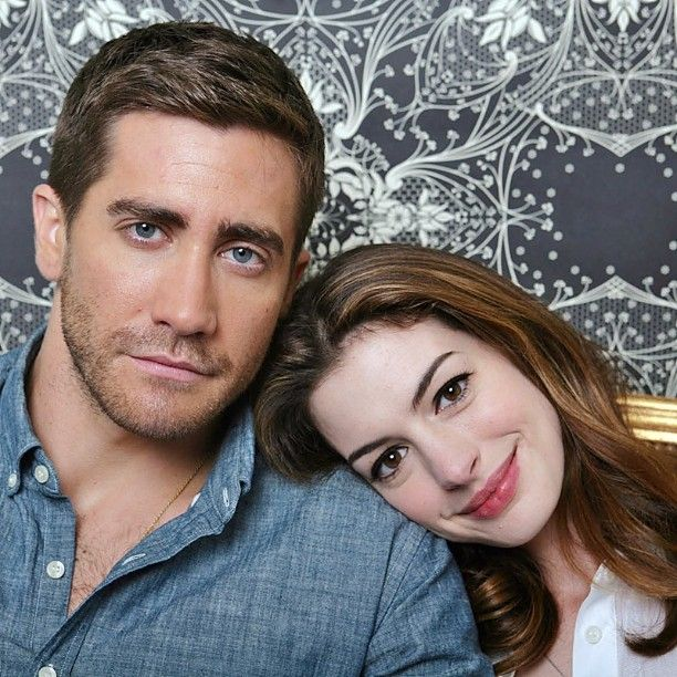 Jake Gyllenhaal And Anne Hathaway With Images Jake Gyllenhaal