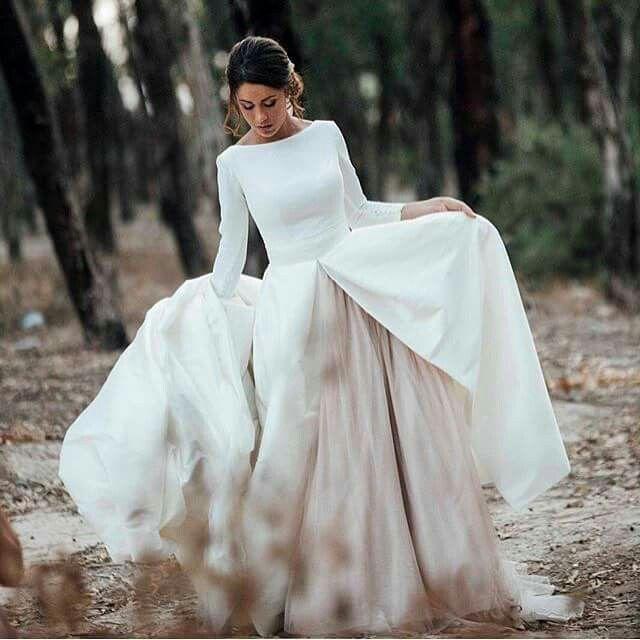 ruben hernández costura. spain | wedding gowns-sheaths/boho