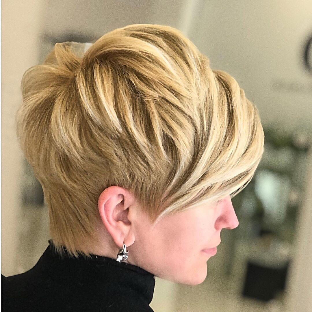 Shorthair Exclusive Shorthairexclusive Posted On Instagram Mila Kryshchykhina Jan In 2021 Thick Hair Pixie Short Hair Styles Pixie Short Hair With Layers