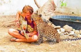 o be able to do this would be amazing, have a look for yourself at -http://www.safarivolunteer.com/ So here goes nothing! If you would like to donate, please do so at the page below. I only have 30 DAYS to raise the money from today. This includes flights, accommodation and meals for two weeks. I would be going to help care for animals that cannot survive out in the wild, COMPLETELY run by volunteers and ethically regulated. Please donate at;https://crowdfunding.justgiving.com/samara-jones