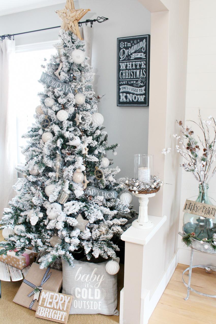 Farmhouse Dining Room Christmas Decorations | Christmas Home Decor ...