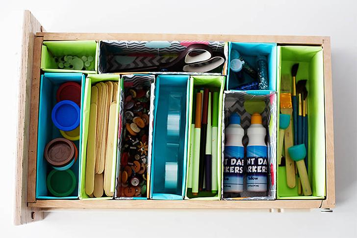 Organizadores de gavetas feitos com caixa de cereal matinal
