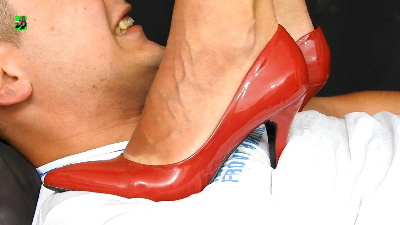 Barefoot head trampling - trample.pl   Christian louboutin