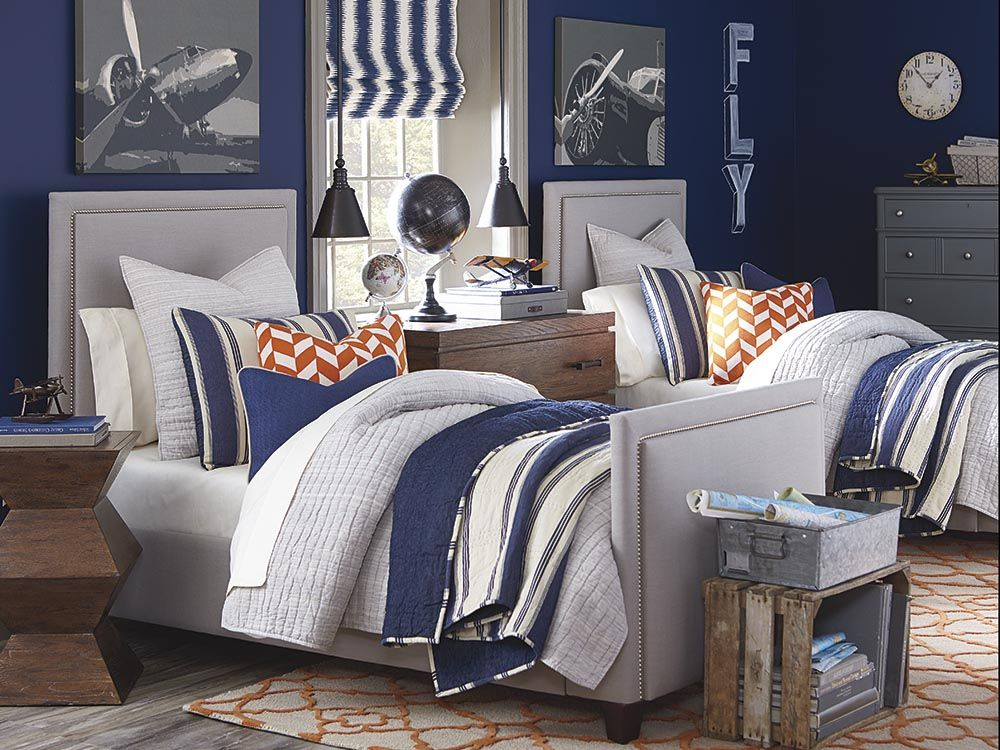 Exceptionnel Custom Upholstered Manhattan Bed By Bassett Furniture Is Available As A  Headboard Or A Complete Bed.