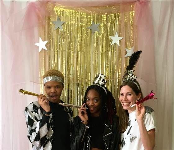 Smile How To Create A Diy New Years Eve Photo Booth In 2019