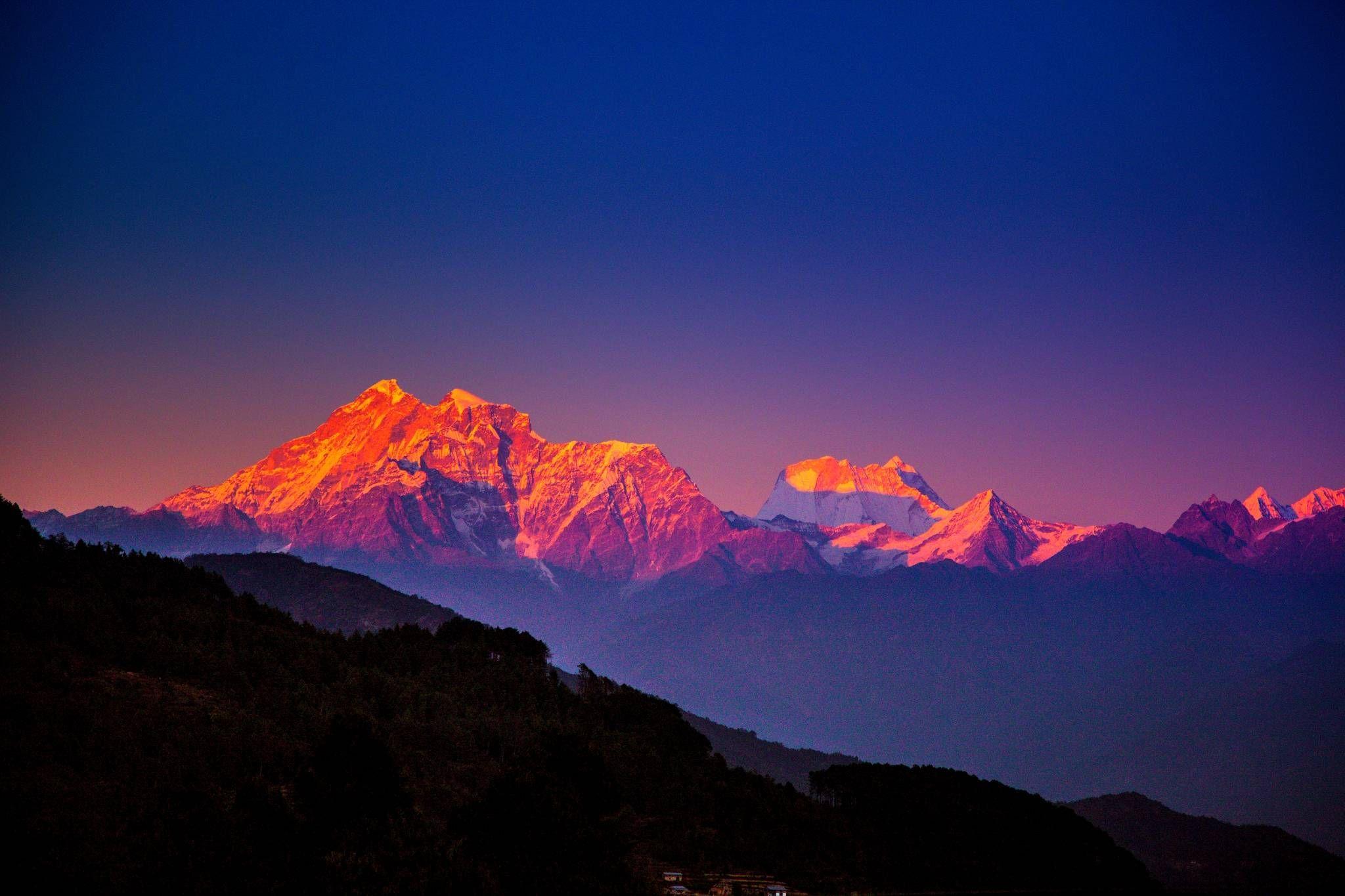 Pin By Susan Villegas On Enjoy The View Mountains Wallpaper Nepal