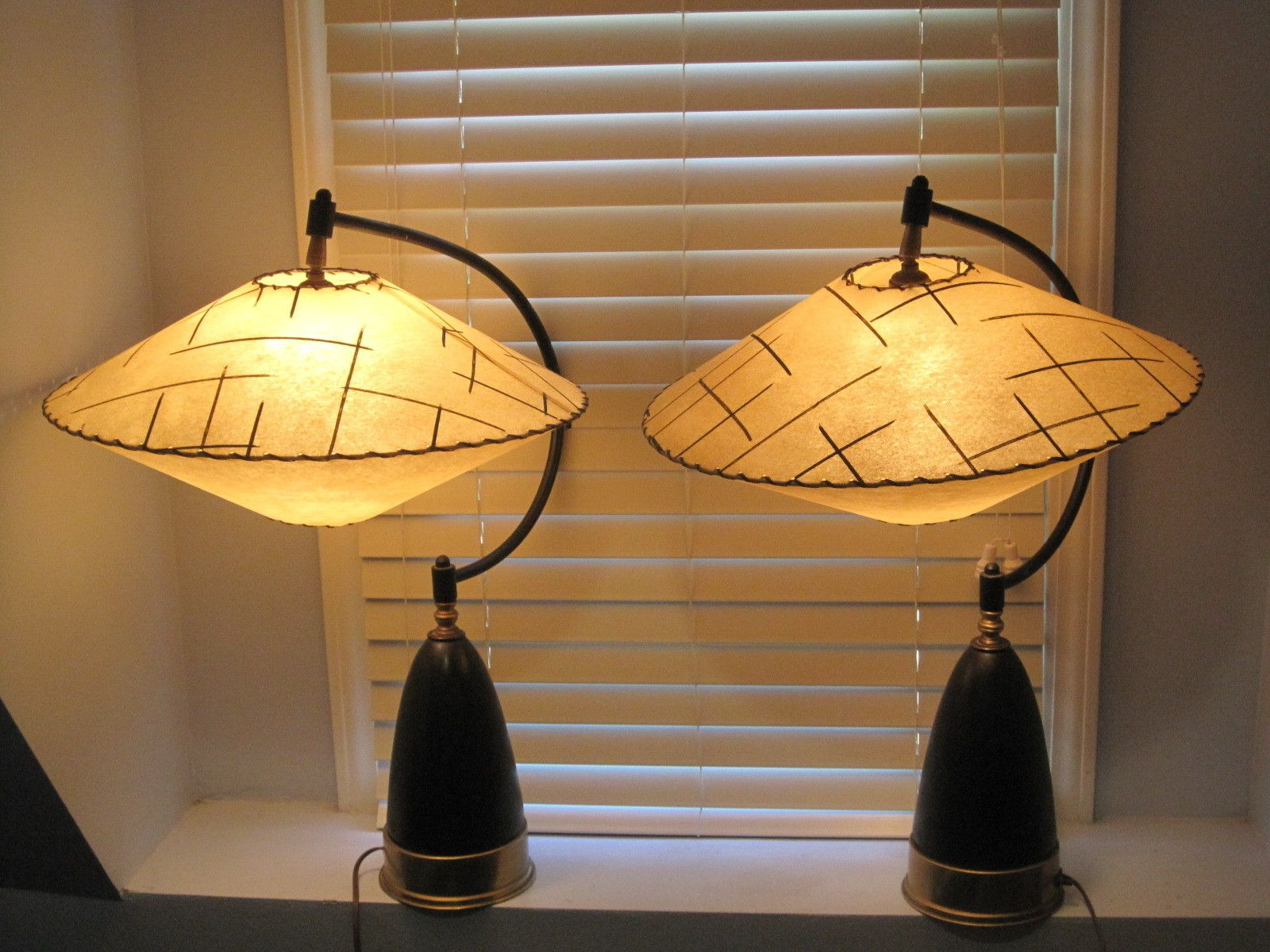 Vintage 50 S Retro Lamp Space Age Hanging Shades Rare And Unique Retro Lamp Mid Century Modern Lamps Mid Century Lamp