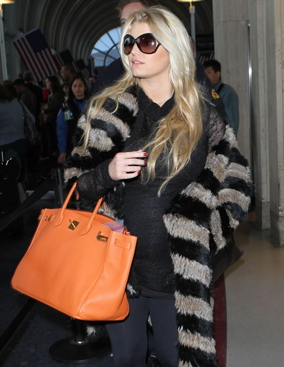 Jessica Simpson loves her orange Hermes Birkin  1cff230921dfa