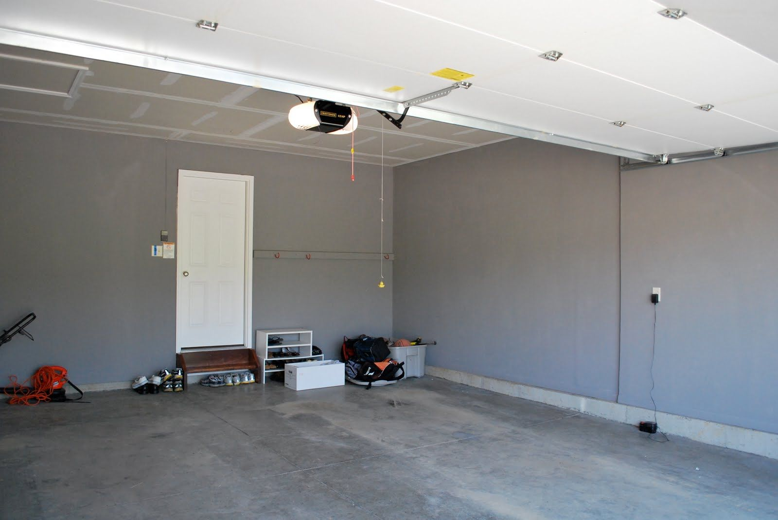 Easy Garage Paint Schemes Ideas Painted Garage Walls Garage Paint Colors Garage Interior Paint