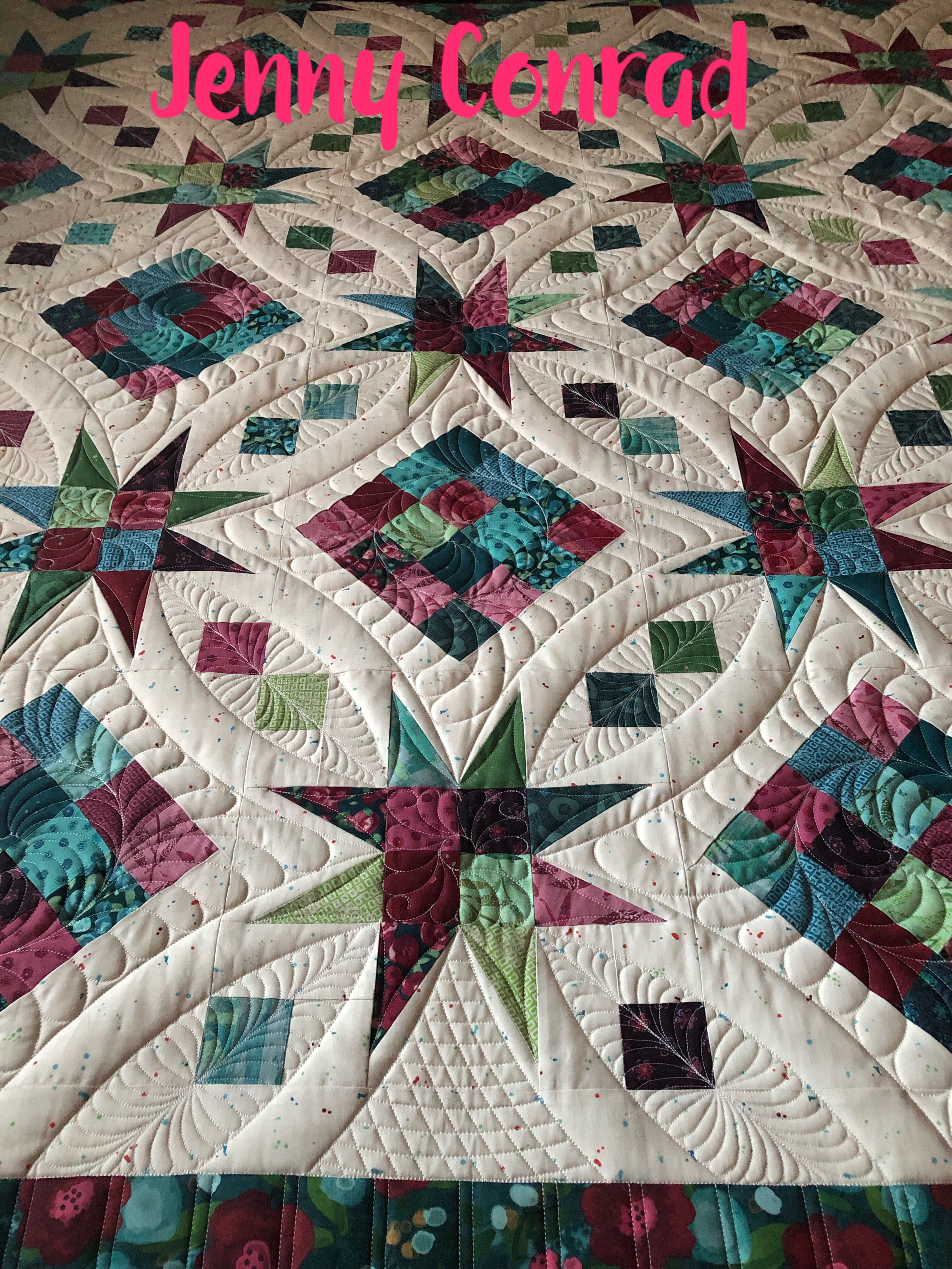 Customer quilt, just finished. Love how the ruler work turned out!❤️ #APQS #quilting #quilts #feathers #freemotionquilting #FMQ #quiltersdreambatting #quiltingismytherapy