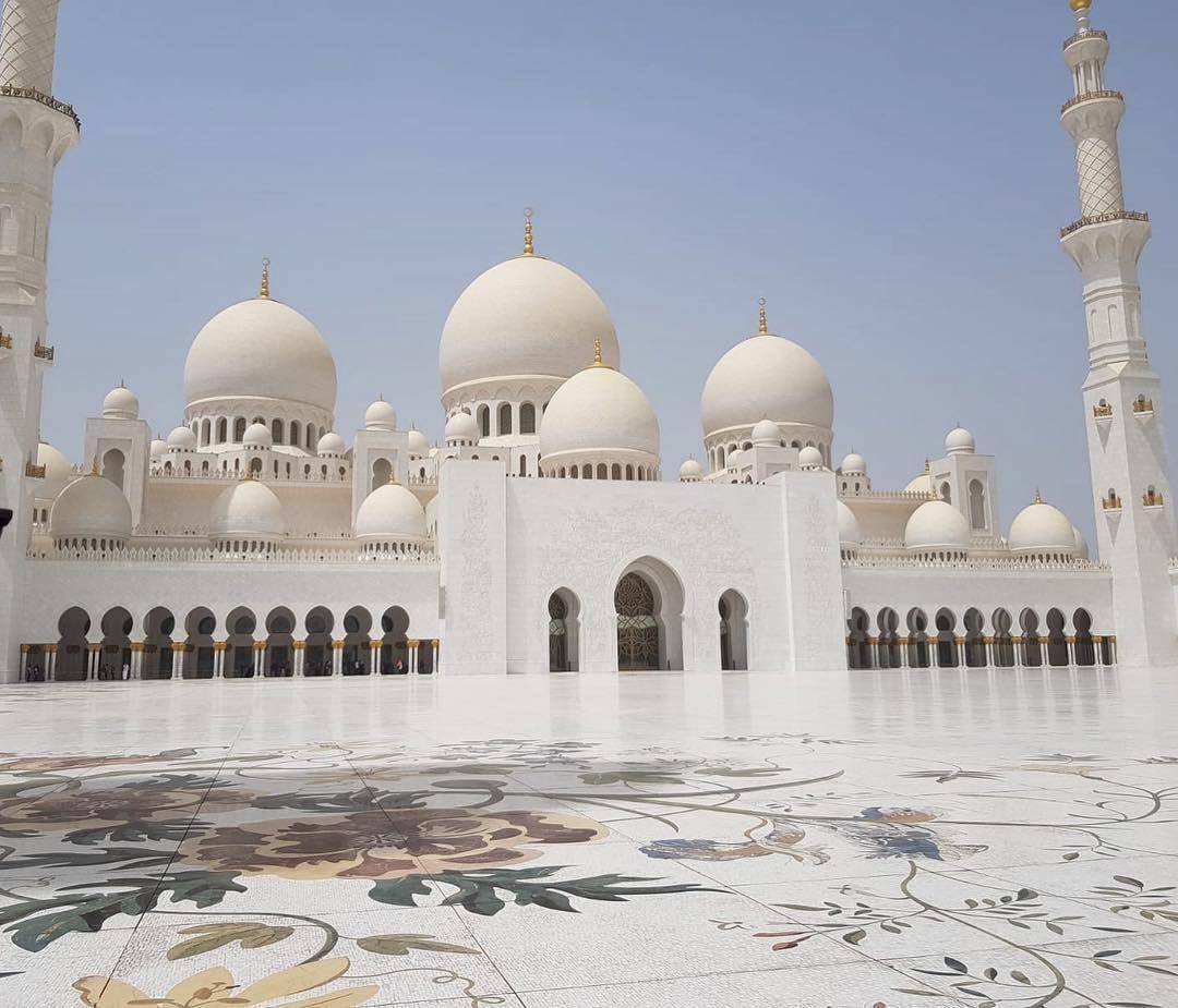 Viajes Y Experiencias On Instagram Mezquita Cheick Zayed Quizás Una De Las Más Bonitas Del Mundo Sheikhzaye Mezquita Sheikh Zayed Mezquita Viajes