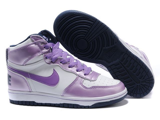 new products cb7ff 9780a Chaussures Nike Dunk High Blanc  bNoir  Violet  nike 11795  - €63.89   Nike  Chaussure Pas Cher,Nike Blazer and Timerland www.facebook.com .