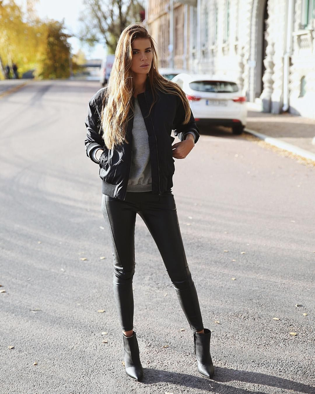 "Josefin Ekström på Instagram: ""Gosh, I Love these pants from @ivyrevel #revelista"""
