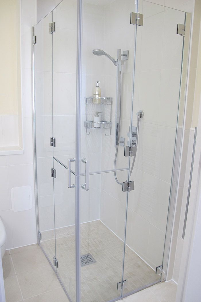 Bi Folding Shower Doors