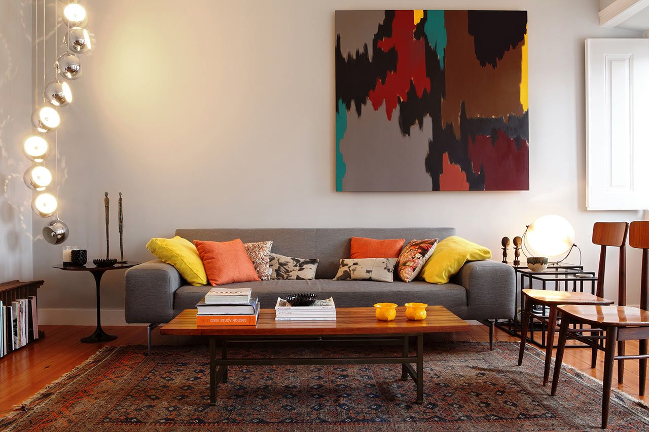 An Interior Design That Blends Modern Vintage Design Milk Retro Living Rooms Living Room Designs Vintage Interior Design