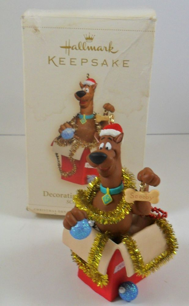 Hallmark Keepsake Decorating Scooby Style Scooby Doo Christmas Ornament 2006 - Hallmark Keepsake Decorating Scooby Style Scooby Doo Christmas