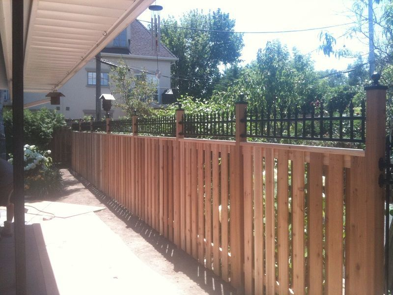 Wood Fence With Iron Top Accent Wood Fence Steel Fence Iron Fence