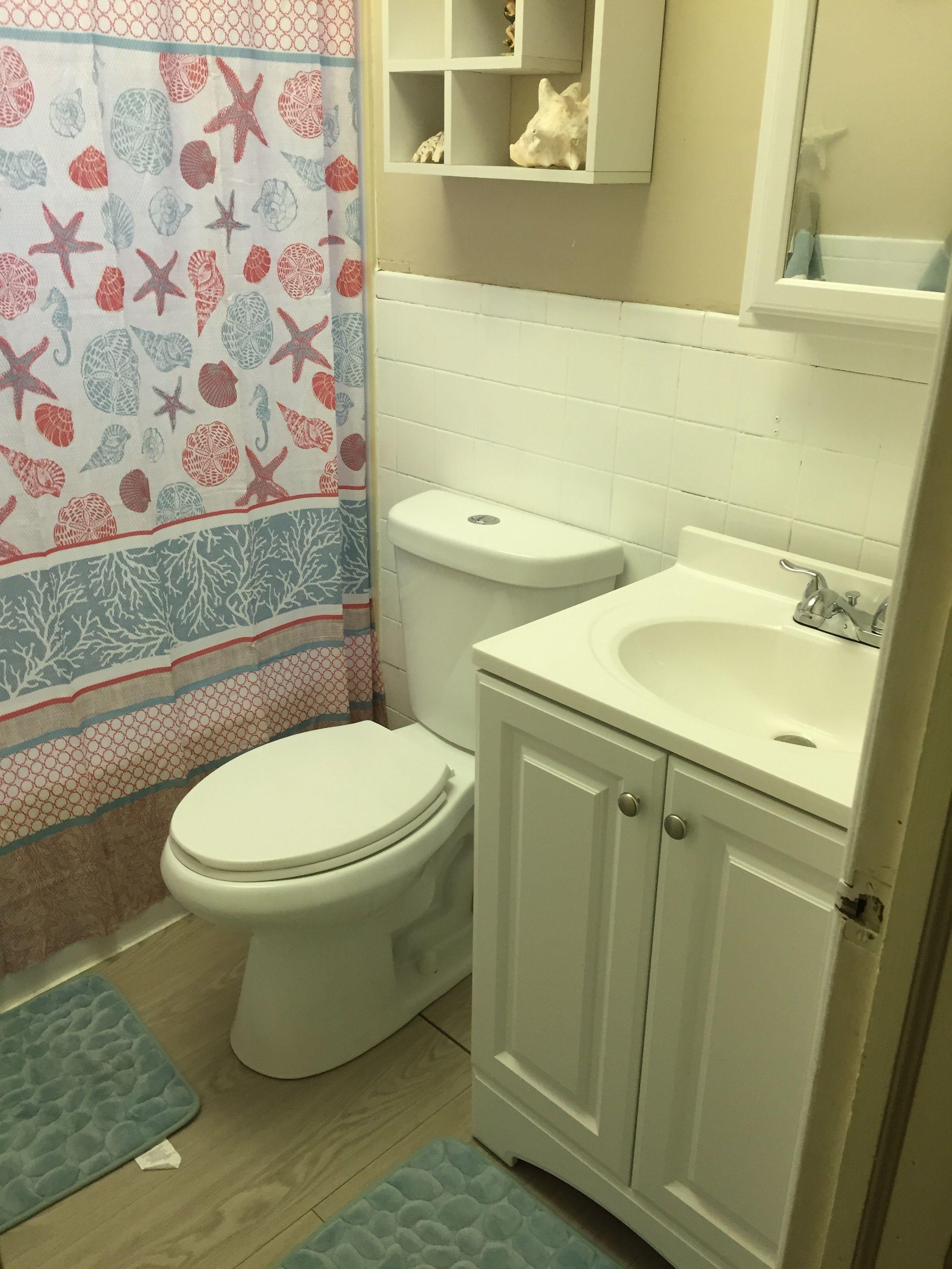 Bathroom decor reveal! Visual tips on decorating a small bathroom to ...