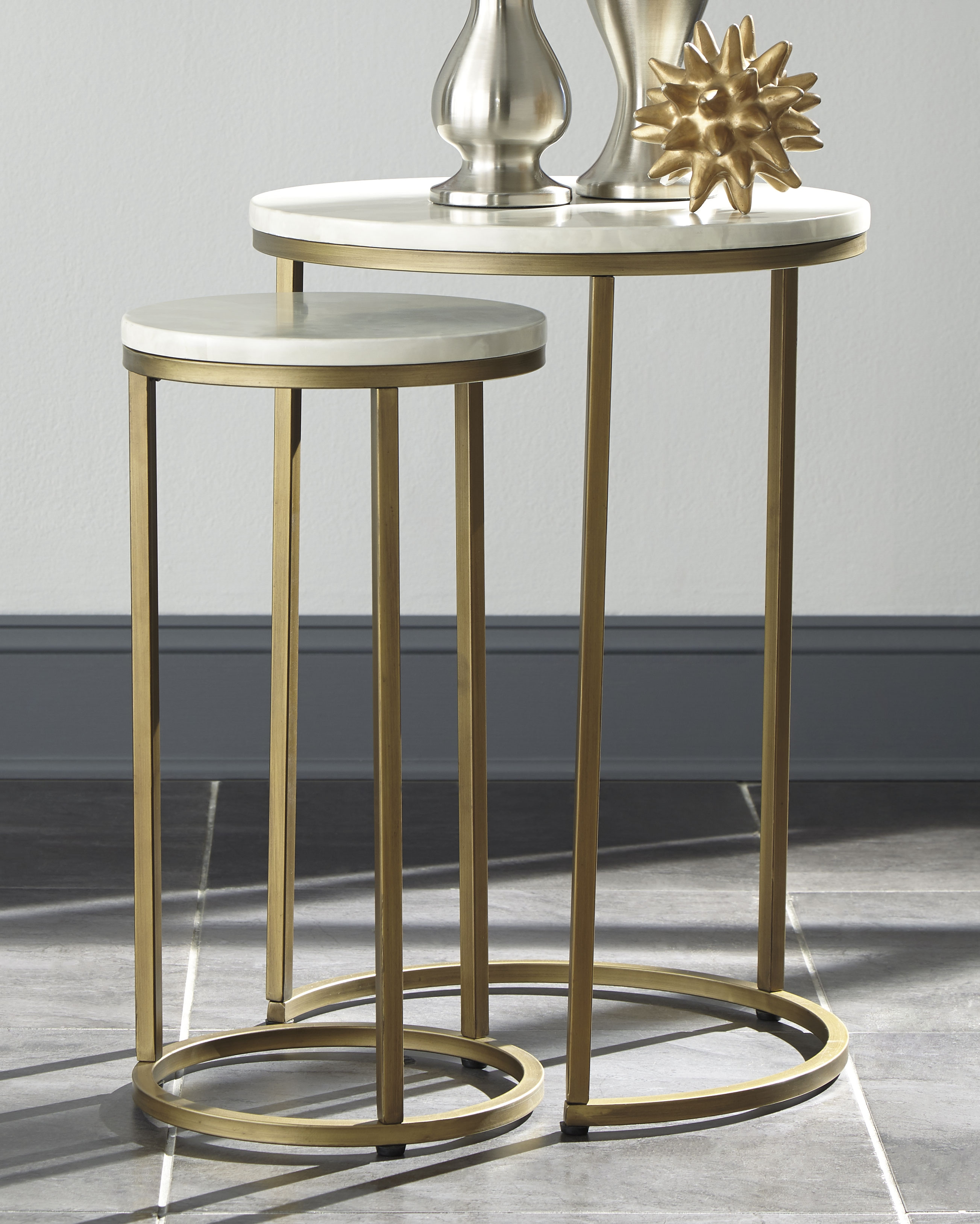 Britzwald End Table Set Of 2 Gold Finish End Table Sets Global Views Furniture Nesting End Tables [ 3257 x 2606 Pixel ]