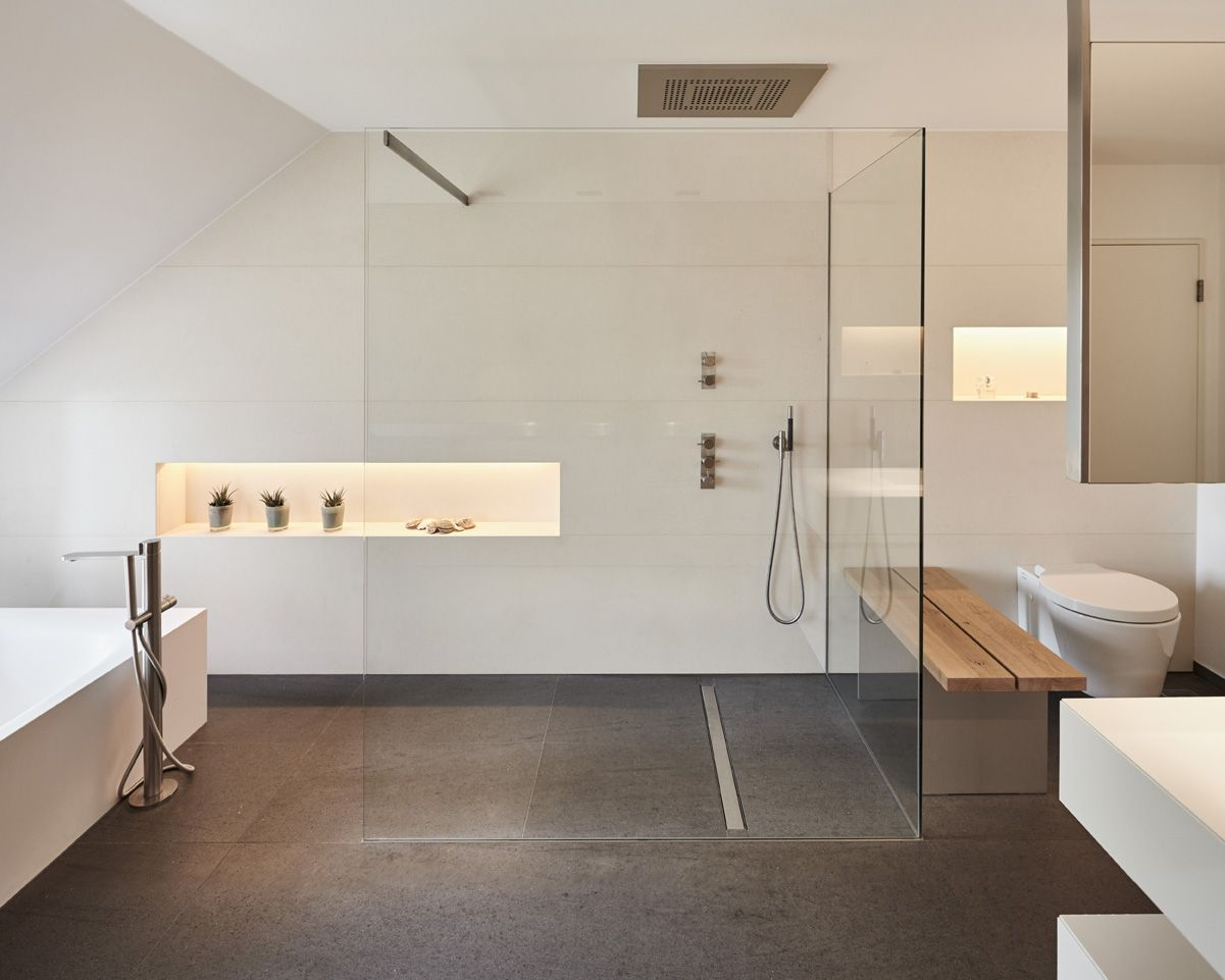 Glasscheibe, Wellness Oase, Dusche, Badewanne, Fliesen, Holz, Toilette,