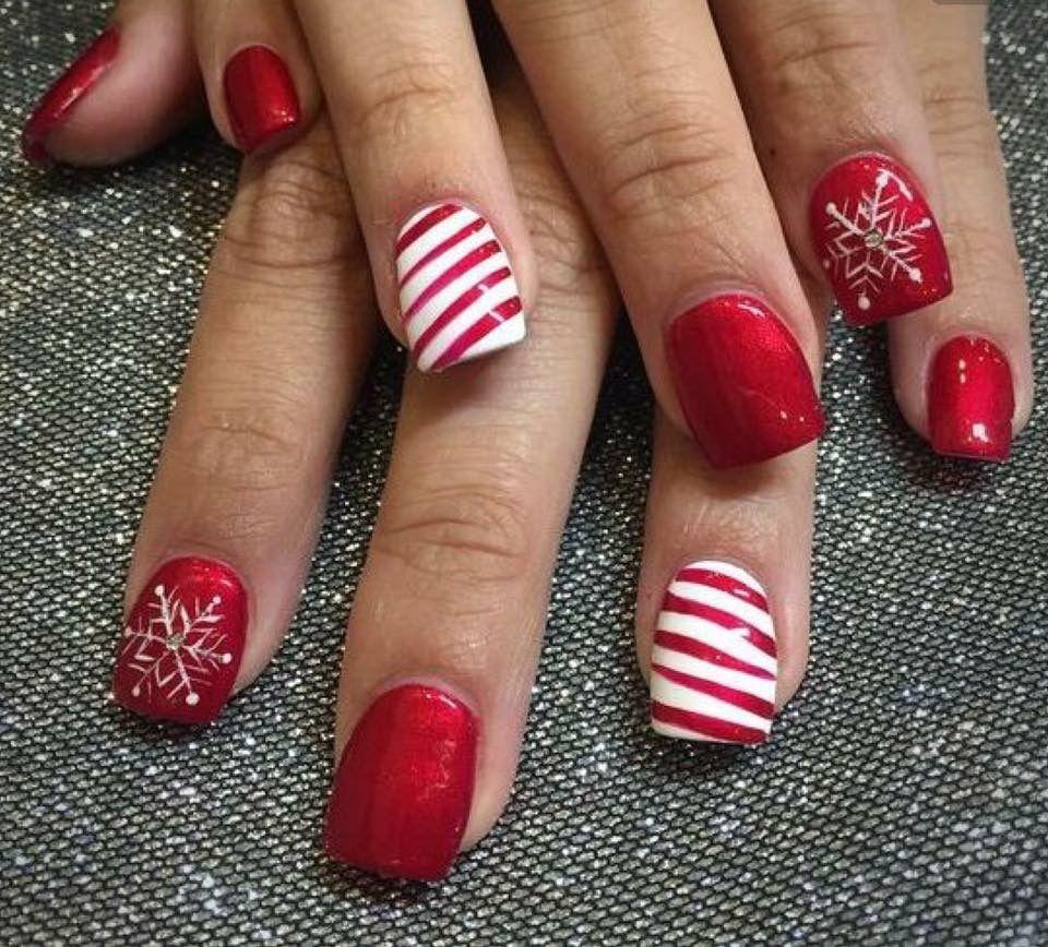 Elegant Christmas Nail Art: Pin By Sarah Ferris On Nail Art... I Like