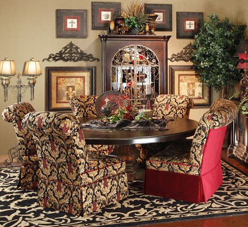 16 Absolutely Gorgeous Mediterranean Dining Room Designs: Dining Room 16 / 30 Katarina Banquette & Parsons Chairs