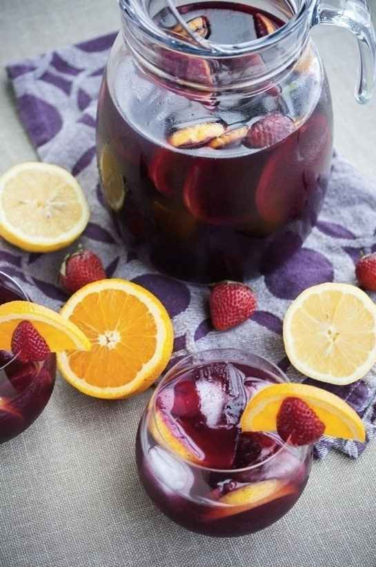 Red Wine Sangria with Strawberries | 28 Big-Batch Summer Drinks That Know How To Get Down