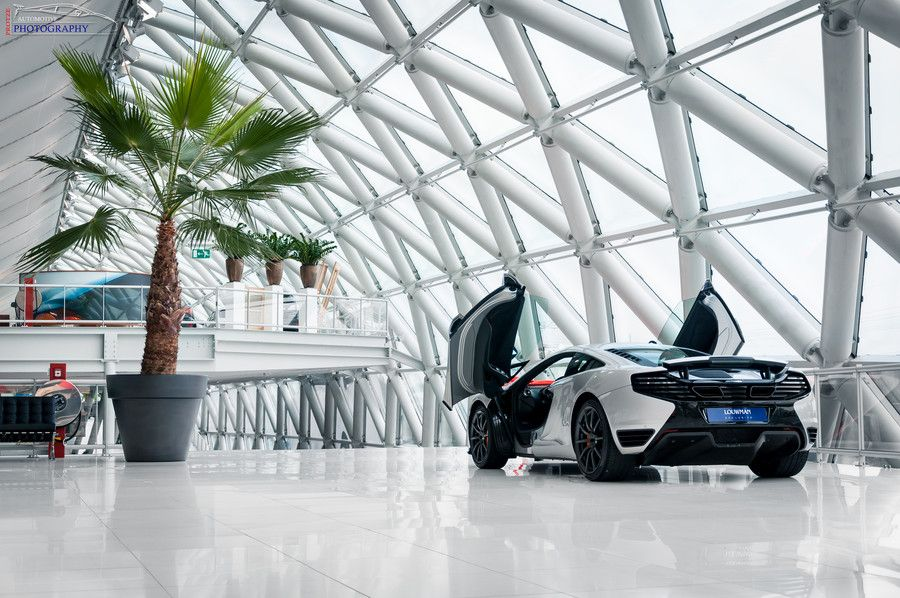 The McLaren MP412C by Pascal Protze on 500px Chasing