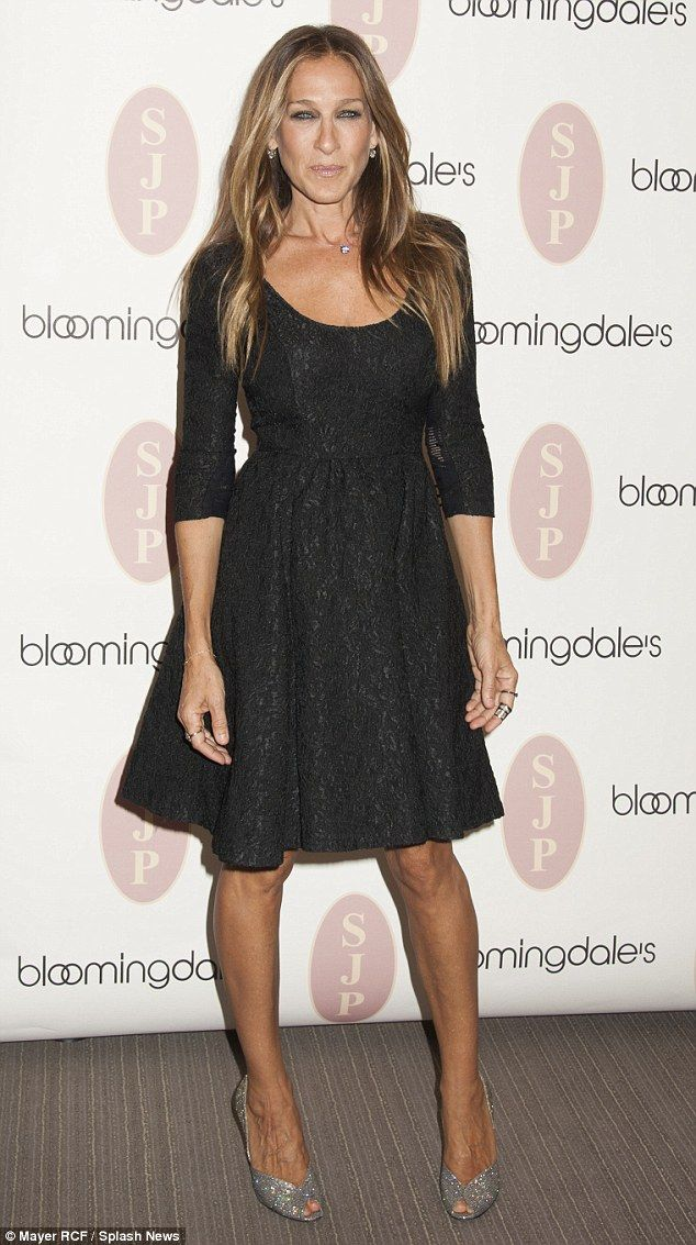 Sarah Jessica Parker Looked Stunning As She Visited Bloomingdale S In New York City To Celebrate The Launch Of Her Sjp Collection