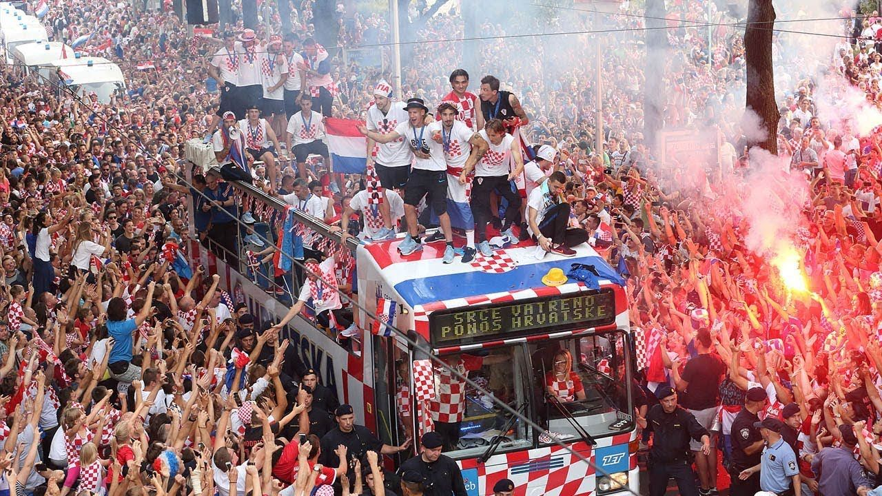 Huge Celebrations As Croatia S World Cup Team Arrives In Zagreb Croatia World Cup Teams Football Pictures
