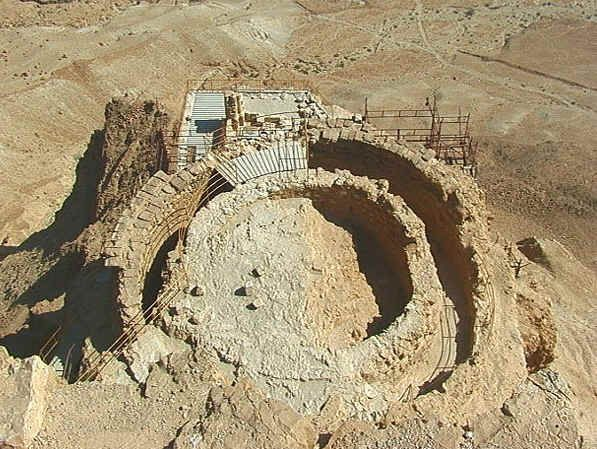 MASADA,BIBLE ARCHITECTURE,the building on the middle terrace of the North Palace