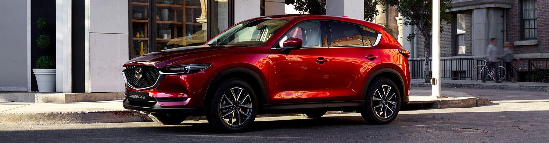Mit Dem Neuen Mazda Cx 5 Stellen Wir Einen Mittelklasse Suv Vor Der Sich Durch Die Weiterentwickelte Hochwertige Kodo Designevolution Mazda Mazda Cx 5 Fahren