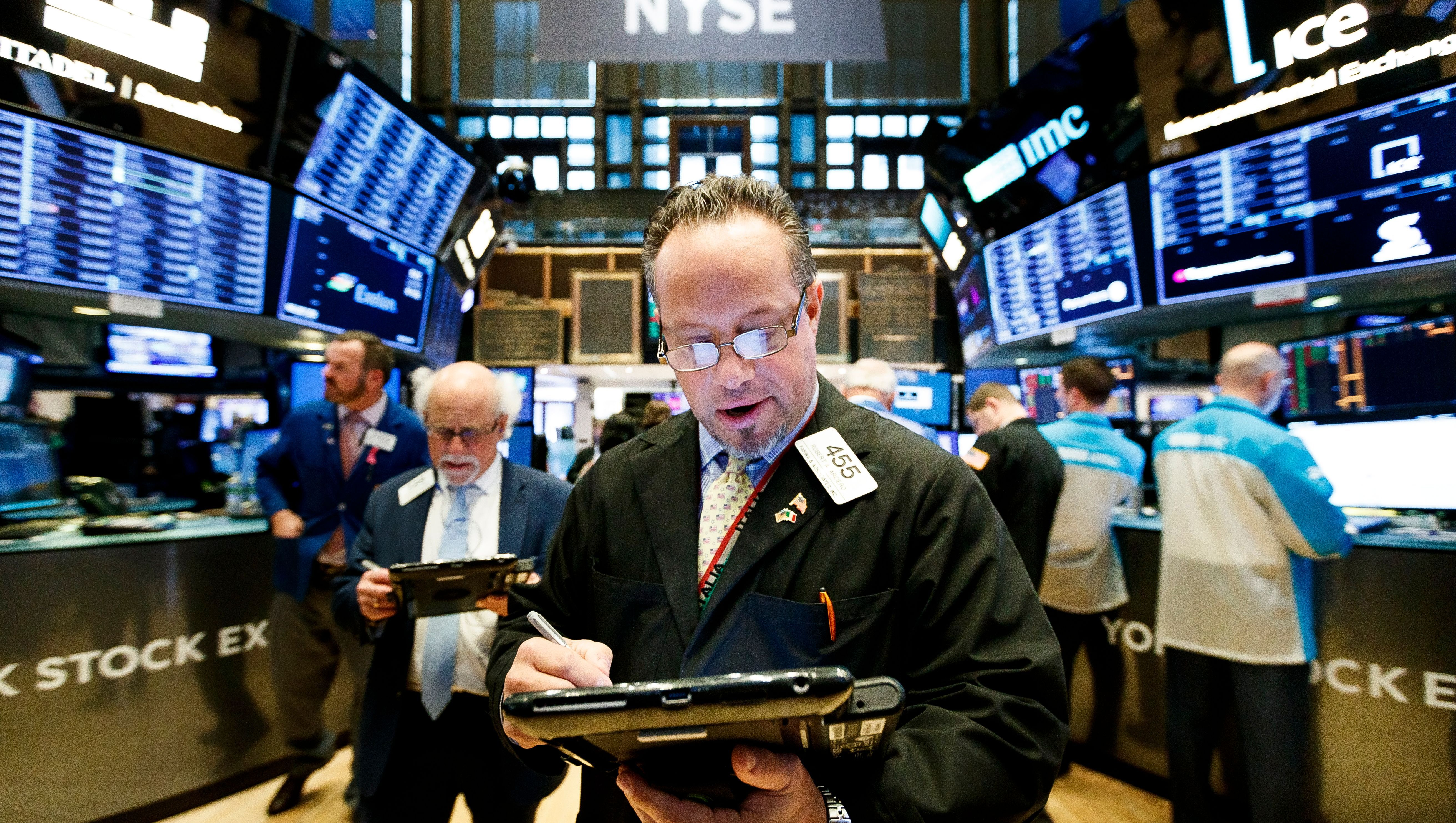 Stock Market Is Open For Full Day Of Trading New Years Eve But Closed Jan 1 For New Years Day Stock Market New Year S Day Marketing