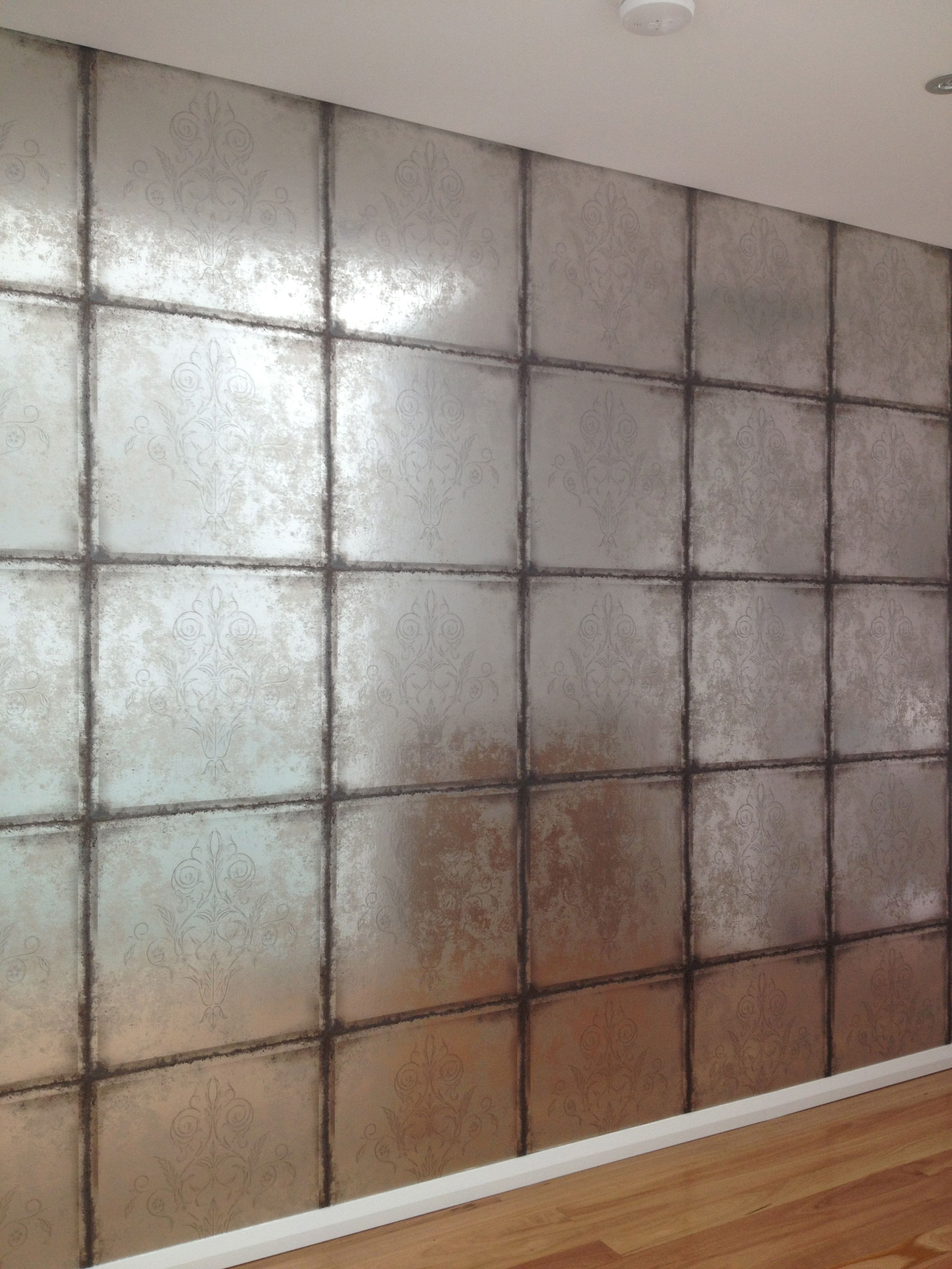 Wallpaper from Cole and Sons Silver foiled on a non woven base