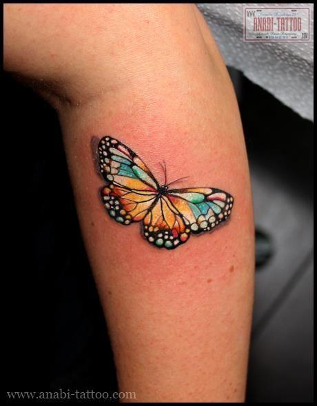 tatouage papillon color sur le bras a bit of tattoo inspiration pinterest. Black Bedroom Furniture Sets. Home Design Ideas