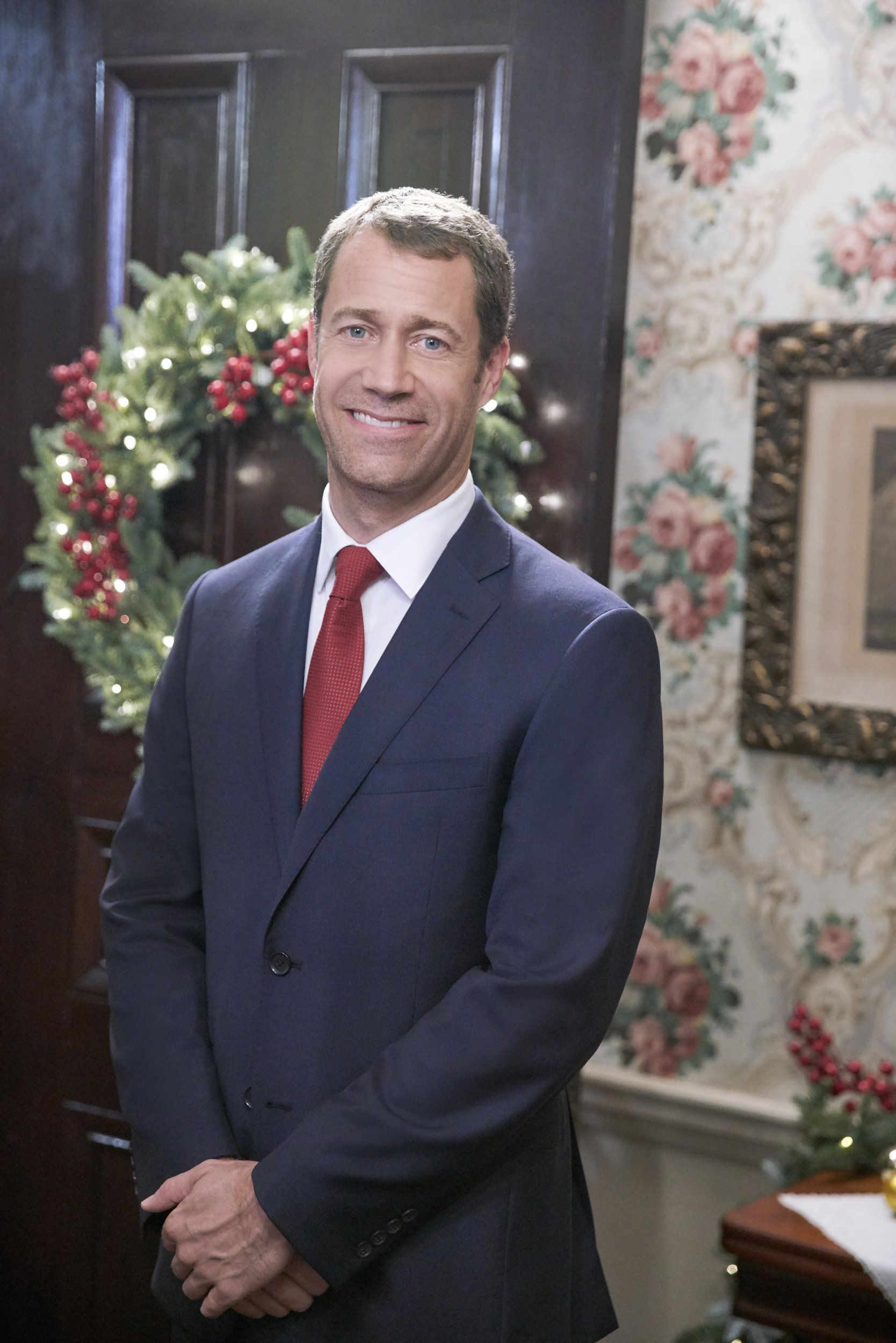 Cast Of Christmas On Honeysuckle Lane 2020 Check out photos from the Hallmark Movies & Mysteries original