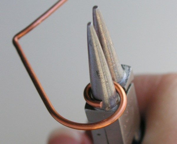 How To S Bending Wire Wire Jewelry Tutorial Wire Jewelry Jewelry Techniques