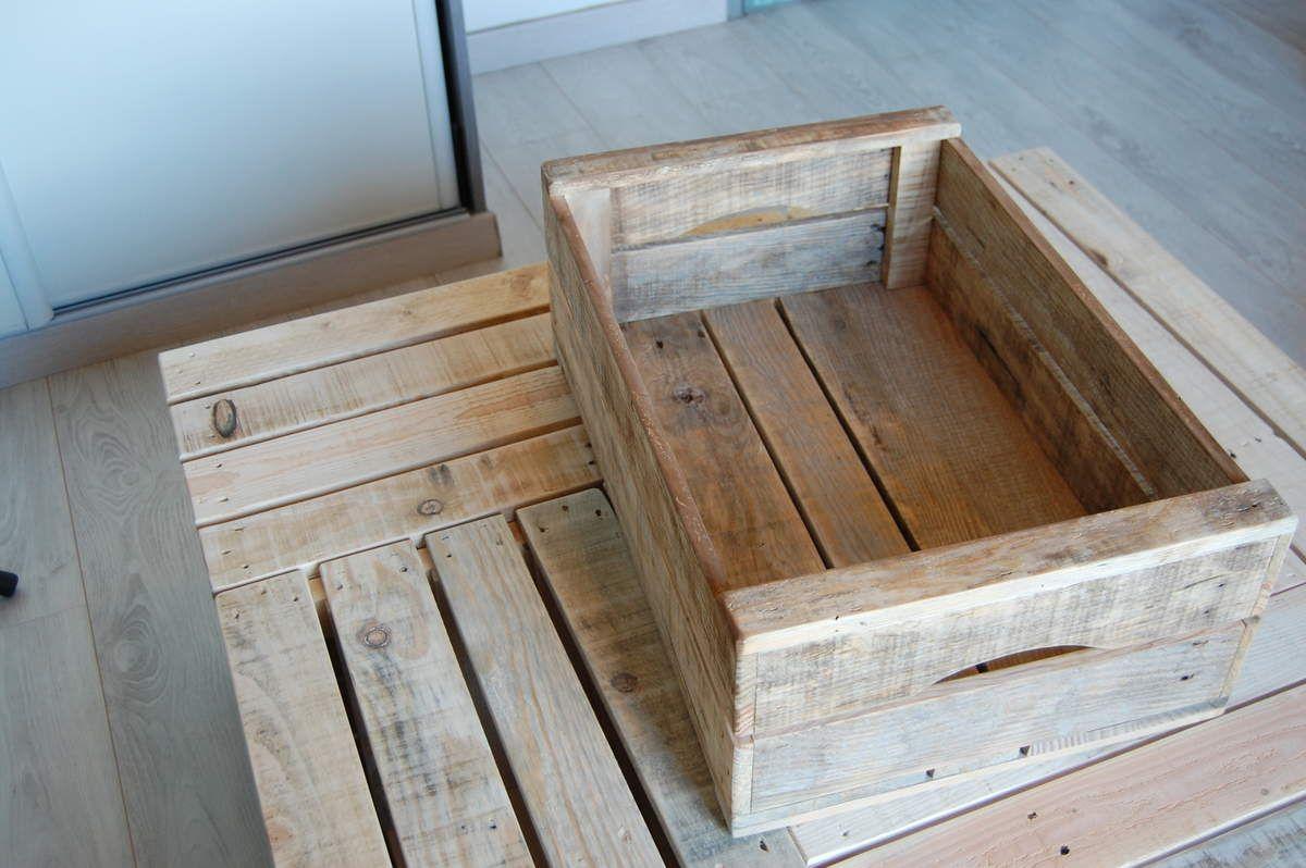 L Espace Des Caisses En Bois Meubles En Bois De Palettes Et Industriels Detournements D Objets Meubles En Bois De Palettes Palette Bois Mobilier De Salon