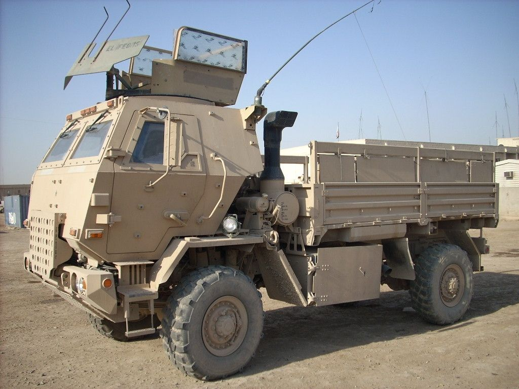 The M1078 and 1078A1 are the 2 1/2 Ton 4x4 Standard Cargo Truck of ...
