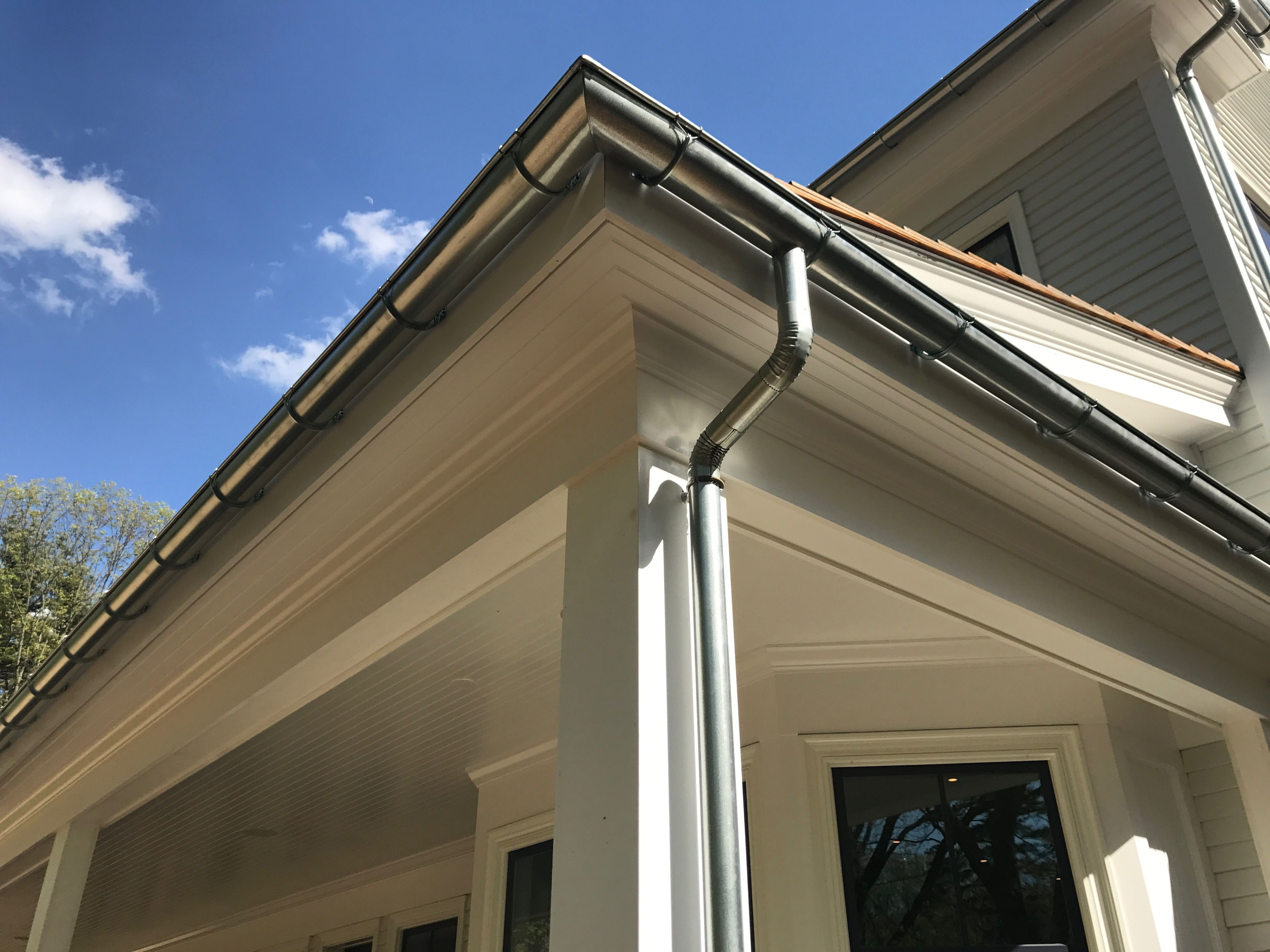 Half Round Gutters Offer A Alternative Style For Your Home These Have Beautiful Look Available In Aluminum Copper And Galvanized