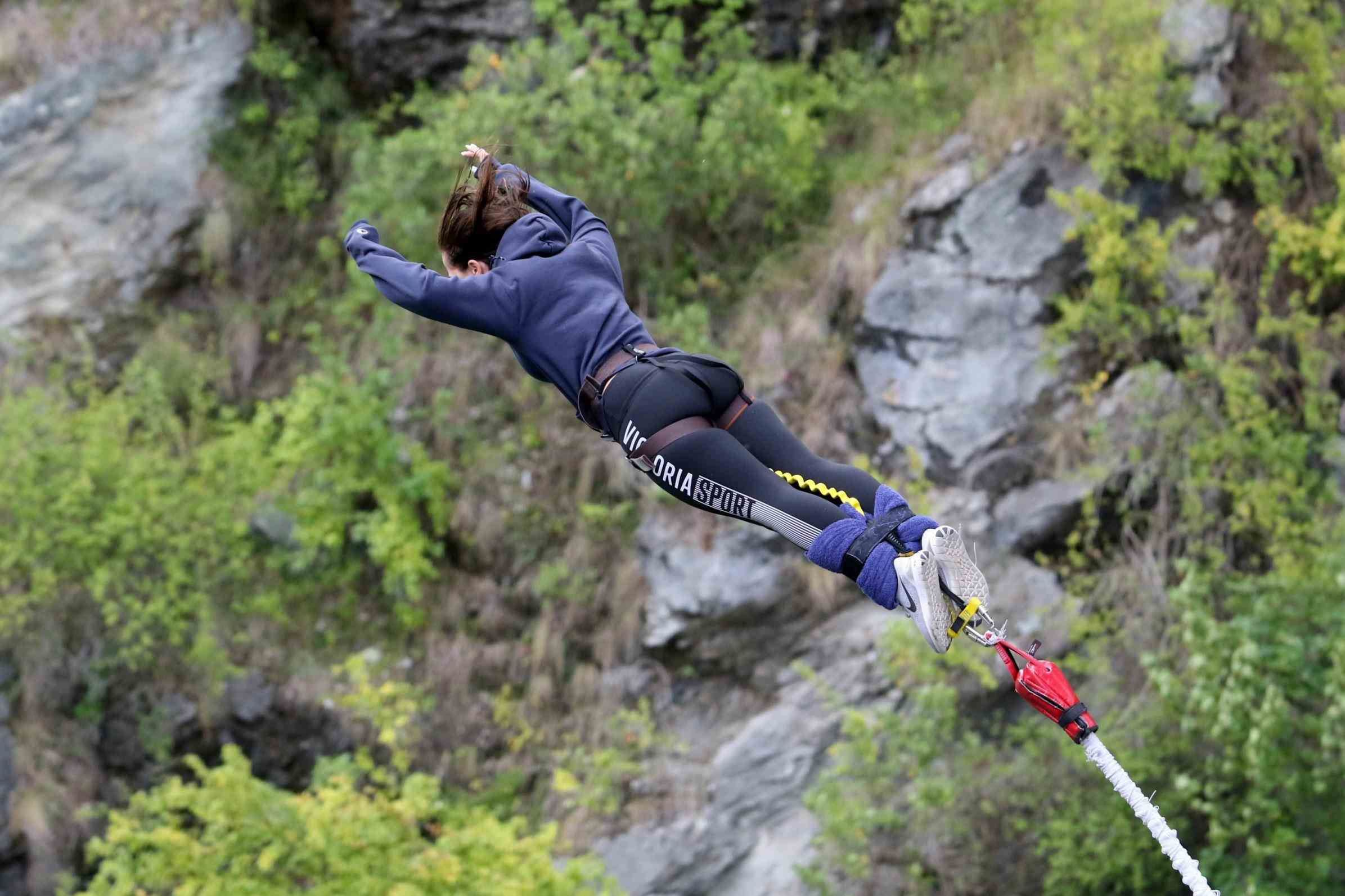 Plunge Than Aj Queenstown New Zealand Bungee Jumping Hackett - Take the plunge 8 best places in the world to bungee jump