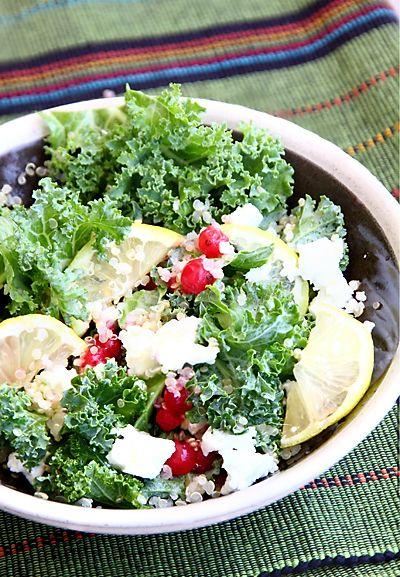 Из нежных, молодых листьев капусты кале можно сделать пикантный, интересный салат, использовав любые летние ягоды и фрукты. У меня была красная смородина, но ее можно заменить малиной, черной смородиной, крыжовником, виноградом, кусочками слив или яблок. Салат получается не просто вкусным и очень полезным, но и сытным благодаря добавке киноаКиноа, квинойя, кинва - зерновая культура. Каша из варёных зёрен по вкусу напоминает неошелушенный рис. Полученную из киноа муку используют для…