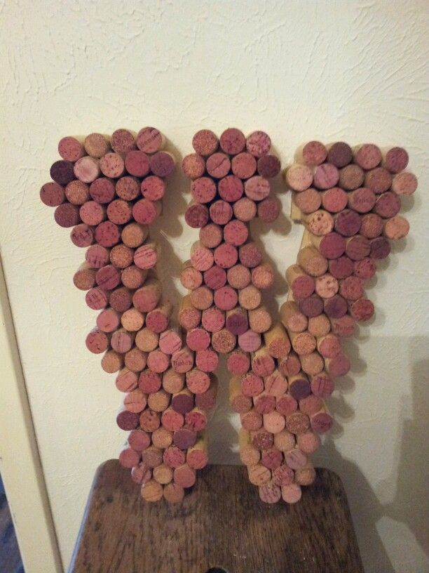 All red wine corks- W
