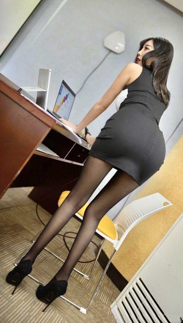 熟女 パンスト ボード「スカート」のピン