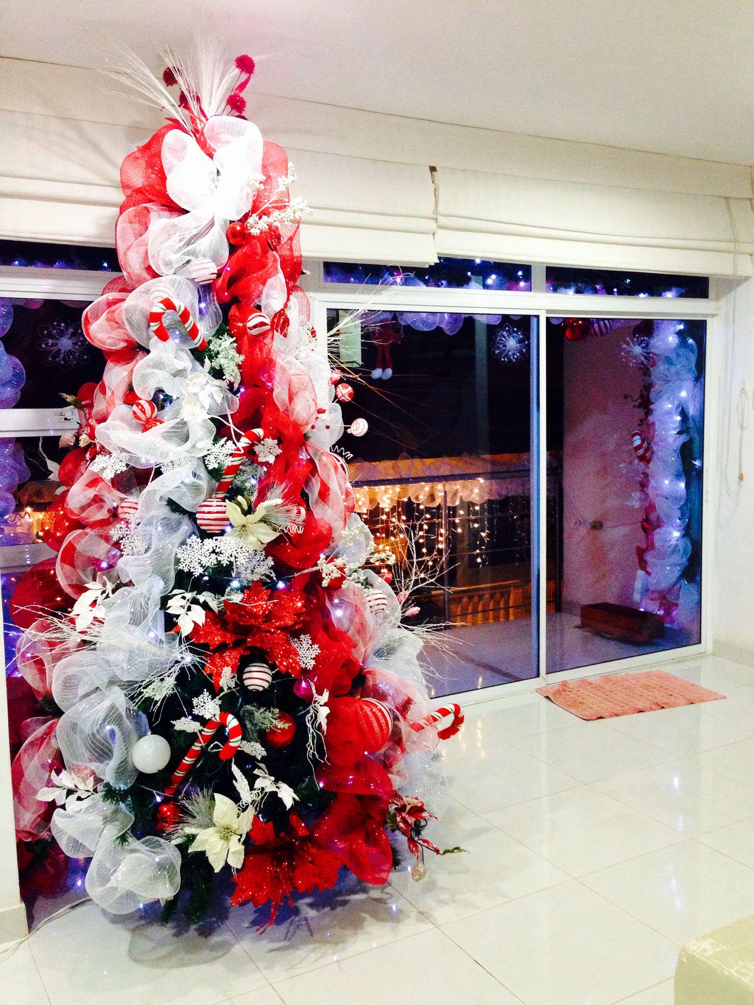 Decoracion navidad rbol rojo y blanco pinos navide os - Decoracion arboles navidenos ...