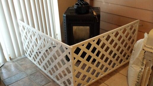 13 Diy Dog Gate Ideas: Diy Hinged Baby Fence For Freestanding Stove. Used Vinyl