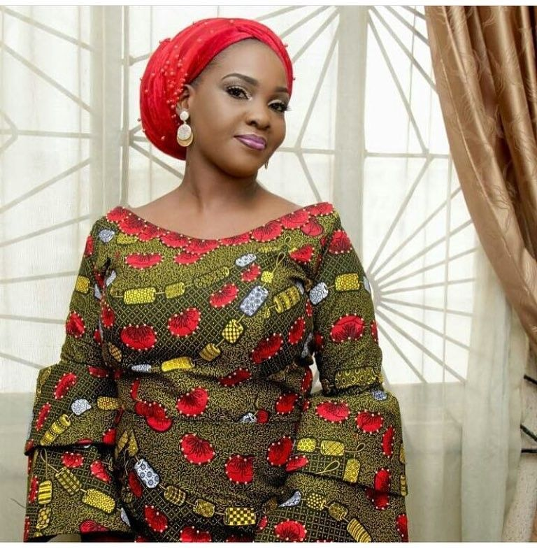 There are a lot of ways to make yourself look elegant with an Asoebi style, Even if you are reasoning on what to create and slay with an Nigerian Yoruba dress styles. Asoebi style for parties come in a variety of patterns and designs.   The African Fabrics beauty of this print is that it comes in many designs and textures. Ankara will allow you make a be consistent with of any fabric without losing the Ankara dress styles flair. #nigeriandressstyles